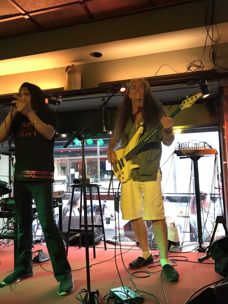 Chitral Somapala & Magnus Rosén in your pub!!!